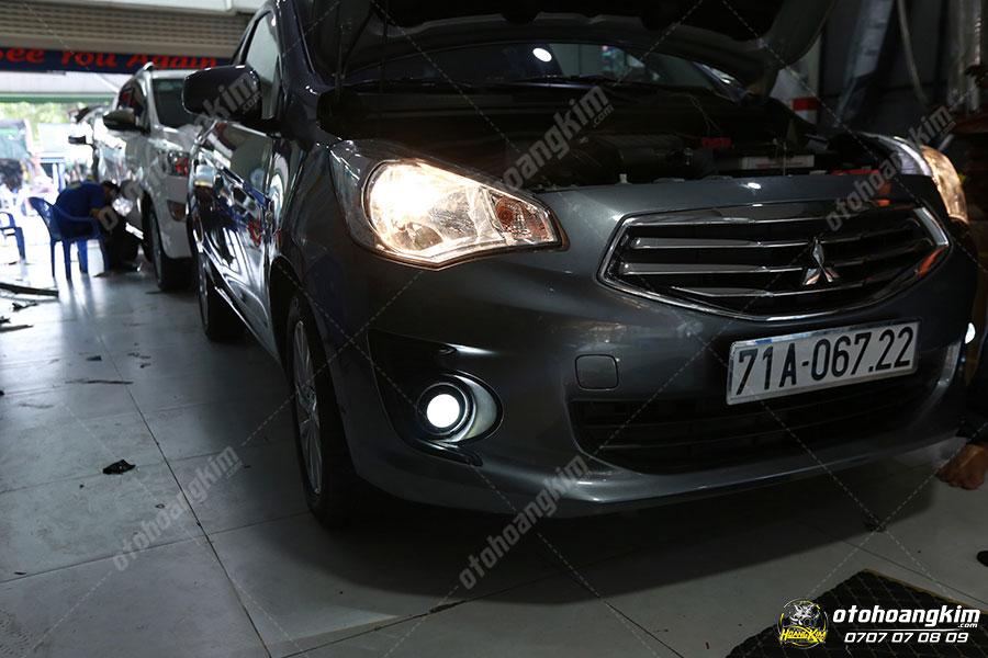 Đèn xenon ô tô gầm chiếc Attrage