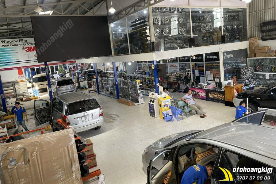 Ngoài bán và lắp trực tiếp cho khách hàng Ô tô Hoàng Kim còn cung cấp sỉ thiết bị điện tử ô tô cho đại lý
