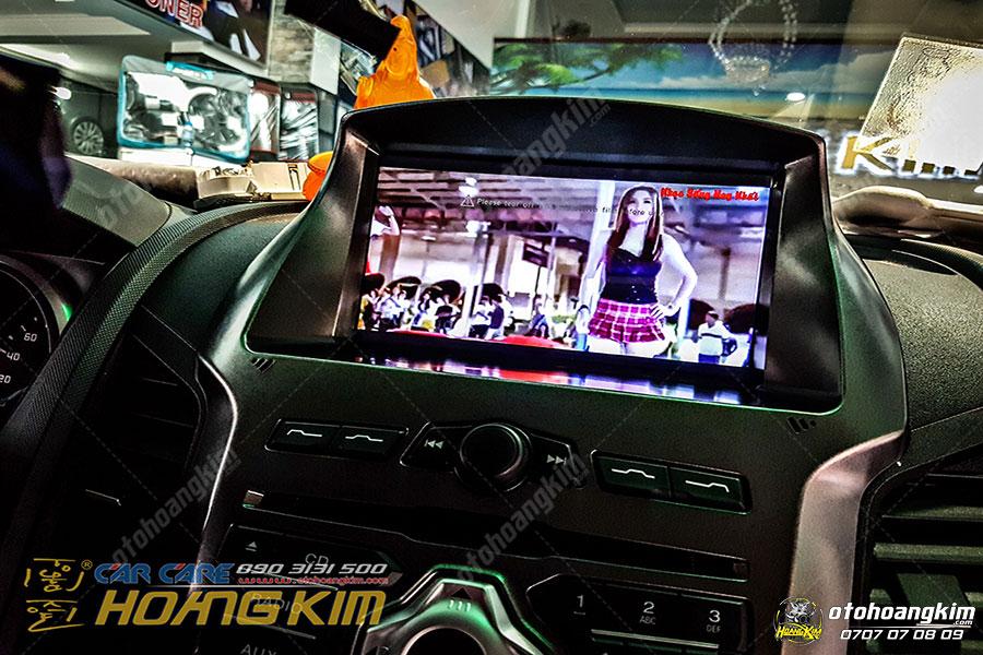 Màn hình DVD được làm dịch vụ độ xe bán tải