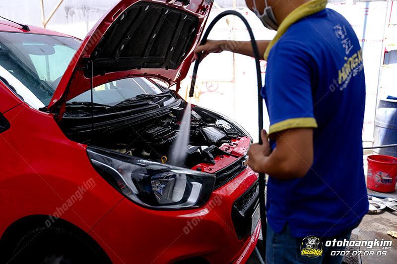 Rửa khoang máy ô tô nên thực hiện khoảng 3-6 tháng/lần tùy vào mức độ sử dụng xe