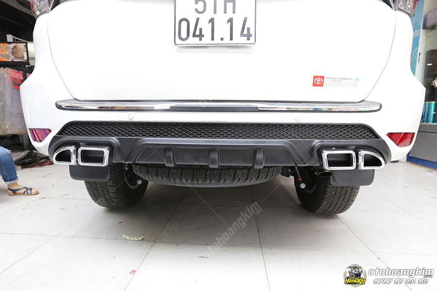 Độ pô cực lạ mắt cho Toyota Fortuner