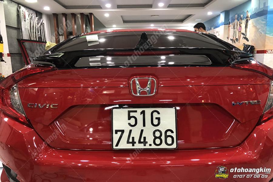 đuôi cá cao cho Honda Civic