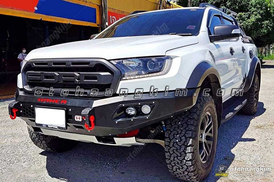Độ cản trước Ford Ranger bảo vệ cho phần đầu xe