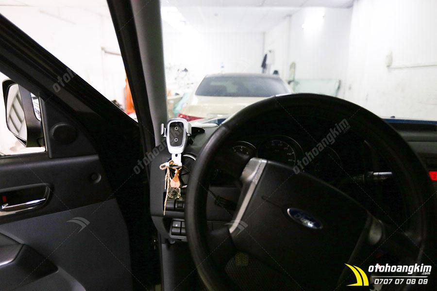 Giá đỡ điện thoại trên ô tô cho xe Ford Ranger