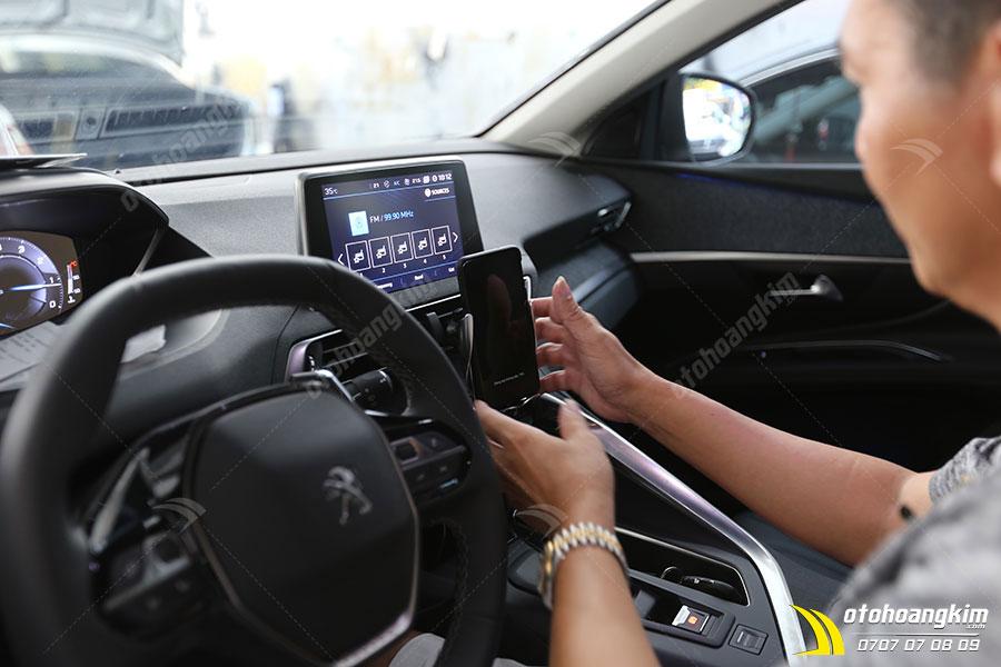 Giá đỡ điện thoại trên ô tô Peugeot 5008