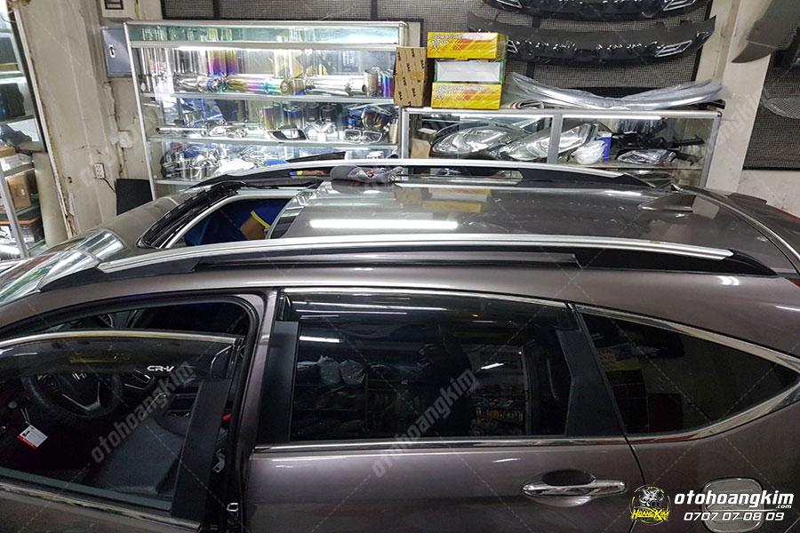 Lắp giá nóc giúp xe có nhiều nơi để đồ hơn hàng chính hãng tại Ô tô Hoàng Kim chi nhánh Tp.HCM và Bình Dương
