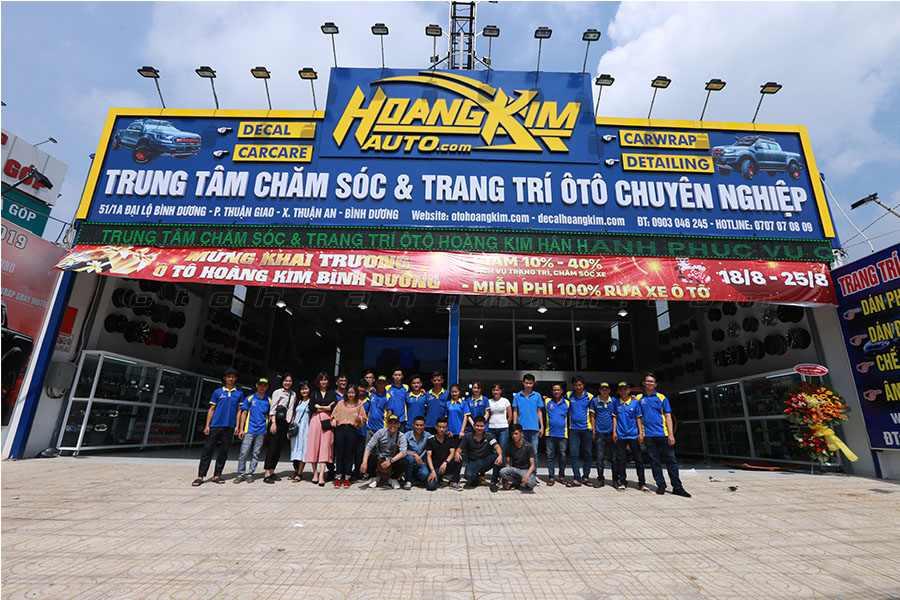 Đội ngũ nhân viên năng động giàu kinh nghiệm của Ô tô Hoàng Kim tại chi nhánh Bình Dương