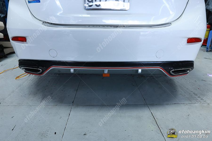 Lip chia pô đuôi xe Mazda 3
