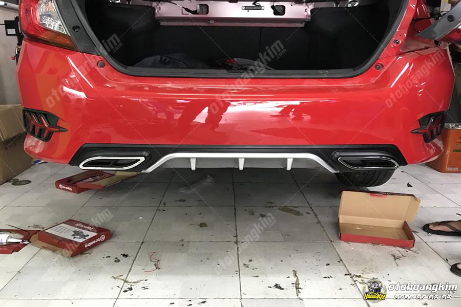 Lip chia pô Honda Civic