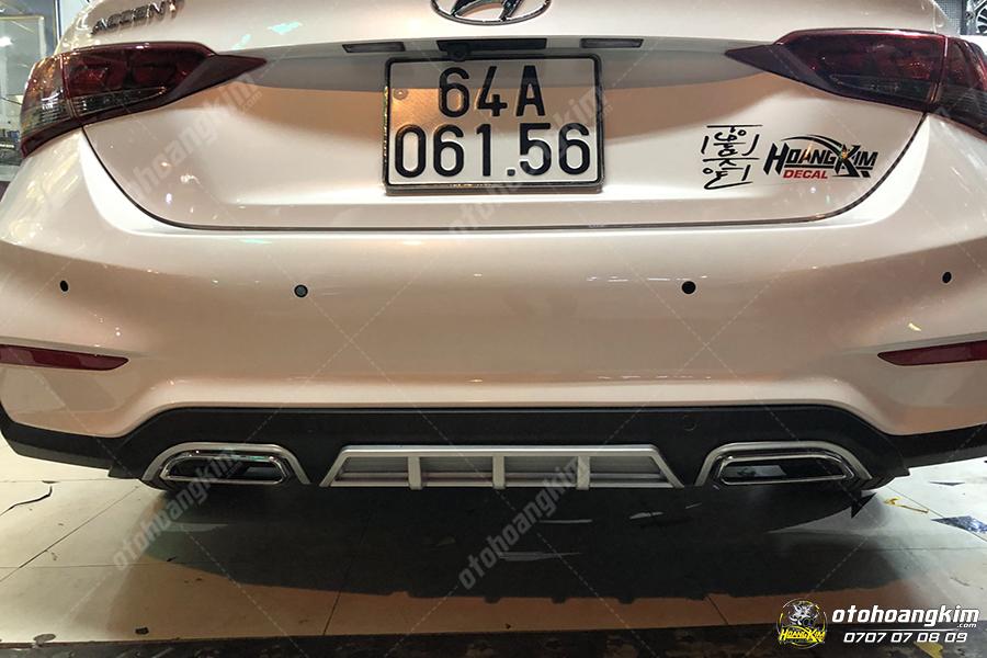 Lip chia pô Hyundai Accent