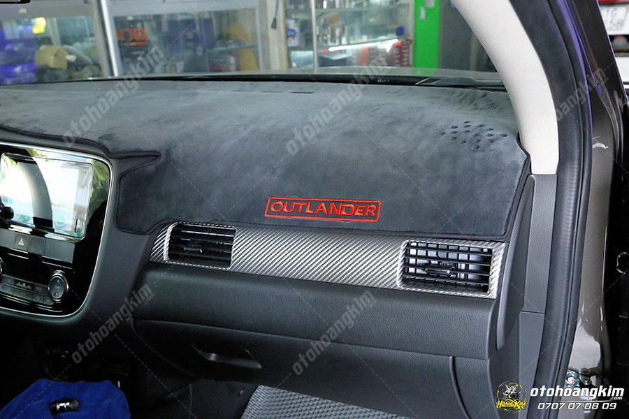 Lọc gió máy lạnh ô tô tháo và vệ sinh đơn giản nhưng tránh vệ sinh bằng nước gây hư hại