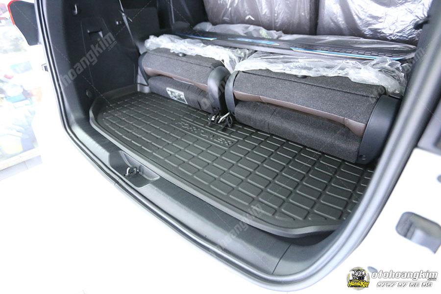 Lót cốp là phụ tùng ô tô được nhiều chủ xe sử dụng