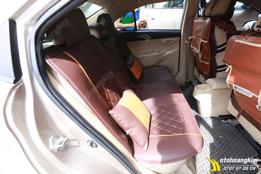Lót ghế ô tô chất liệu da giả