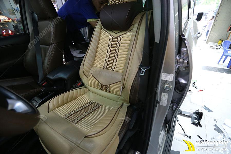 Lót ghế ô tô chất da nỉ và dây dù đan cao cấp