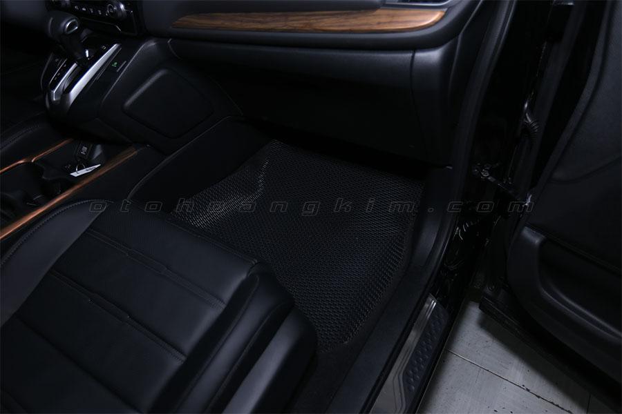 Mẫu lót sàn xe ô tô đơn giản, giá rẻ