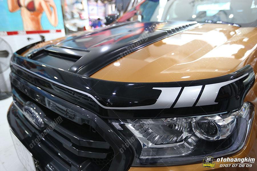 Lướt gió capo được chủ xe Ford Ranger sử dụng nhiều với mục đích trang trí cho xe
