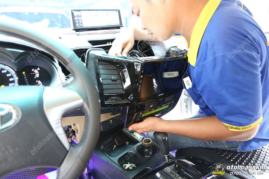 Nâng cấp amply cho ô tô tại Hoàng Kim