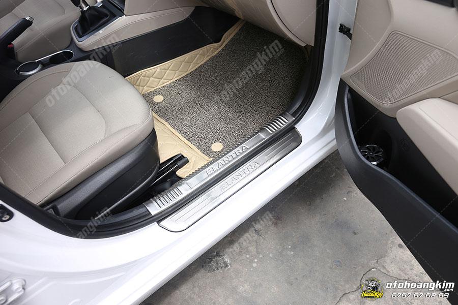 Nẹp bước chân ô tô phần sơn Hyundai Elantra