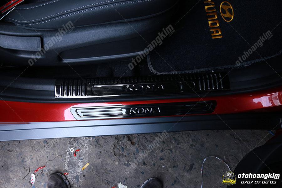 Nẹp bước chân ô tô phần sơn Kona