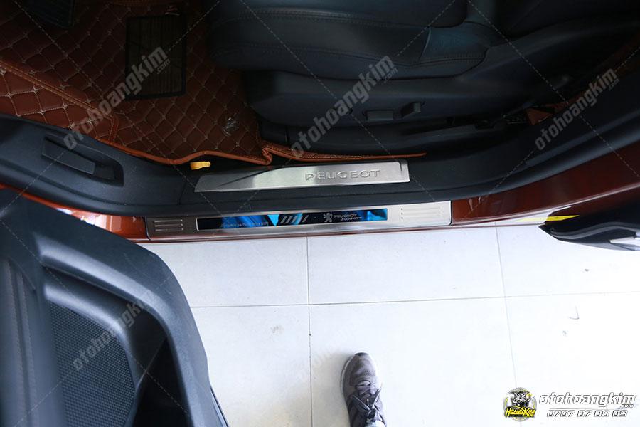 Nẹp bước chân ô tô phần sơn Peugeot 3008