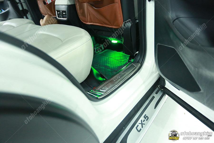 Nẹp bước chân phần nhựa inox cho xe CX5