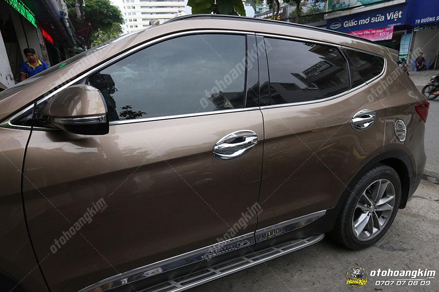 Nẹp chân kính ô tô Hyundai Santafe