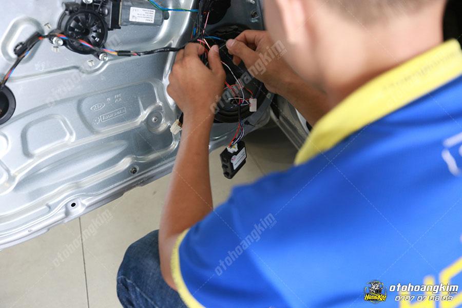 Ô tô Hoàng Kim chuyên gắn các phụ kiện lock cửa cho ô tô