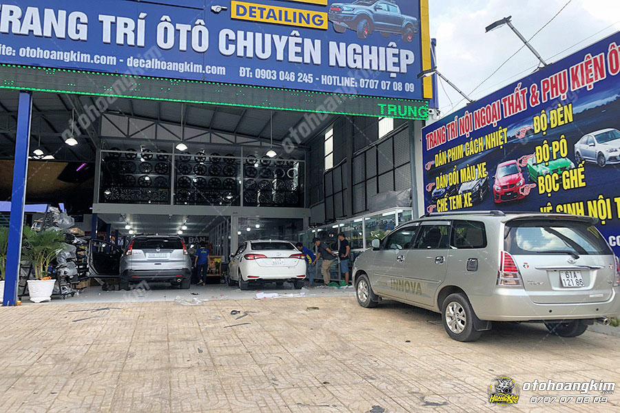 Ô tô Hoàng Kim chuyên phân phối và lắp body kit Toyota Innova