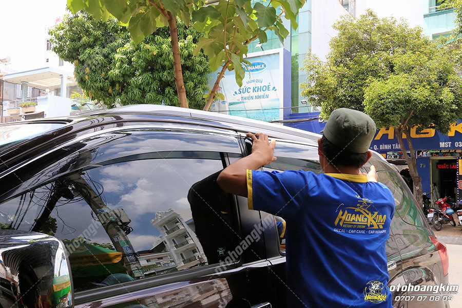 Ô tô Hoàng Kim chuyên cung cấp tất cả các mẫu vè che mưa cho ô tô