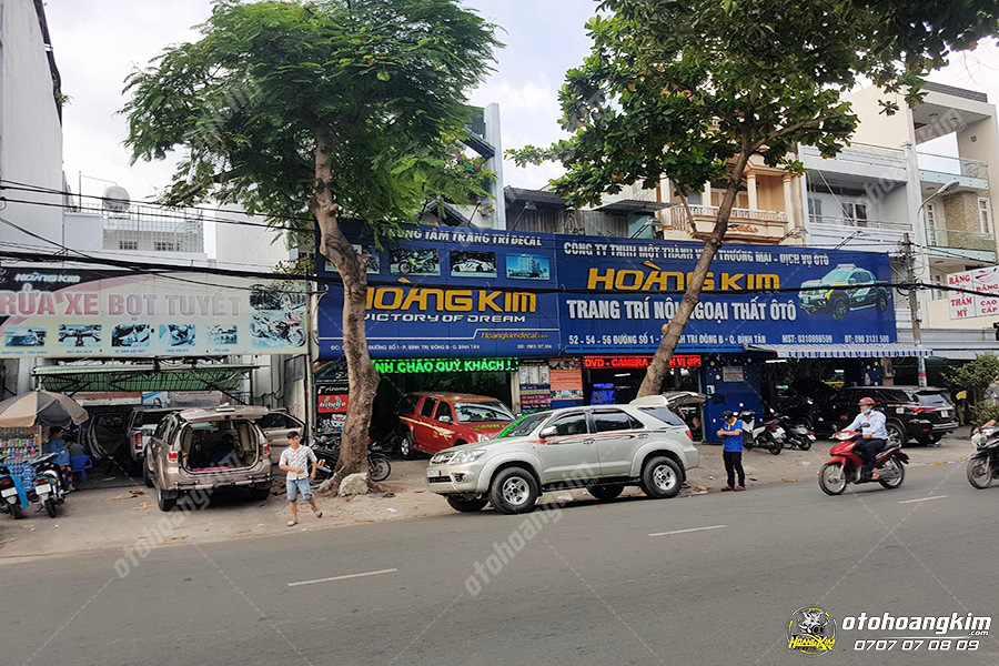 Ô tô Hoàng Kim chuyên nẹp bước chân ô tô phần sơn