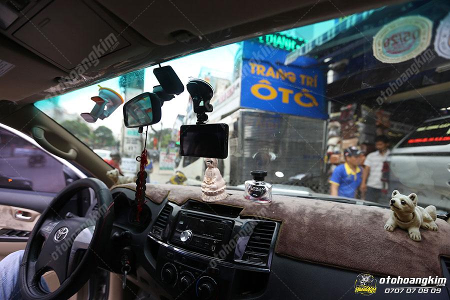 Ô tô Hoàng Kim cung cấp camera hành trình cho mọi loại xe