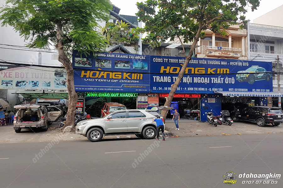 Cửa hàng phụ tùng ô tô tại quận Bình Tân của Ô tô Hoàng Kim