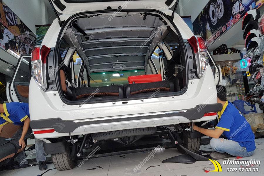 Ô tô Hoàng Kim chuyên lắp cản trước sau ô tô