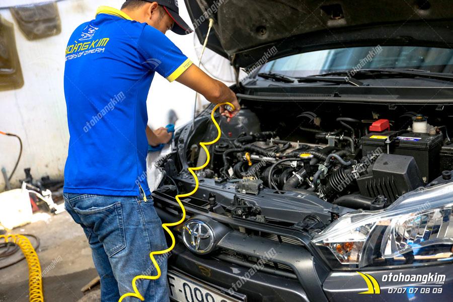 cung cấp dung dịch vệ sinh tại ô tô Hoàng Kim còn có dịch vụ làm sạch ô tô chuyên nghiệp