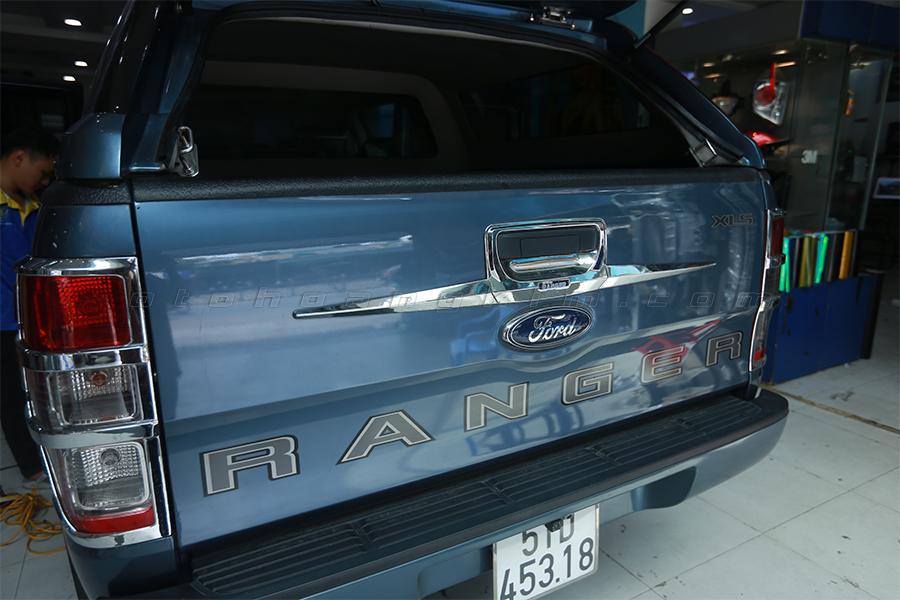 Ốp tay mở cốp cho Ford Ranger