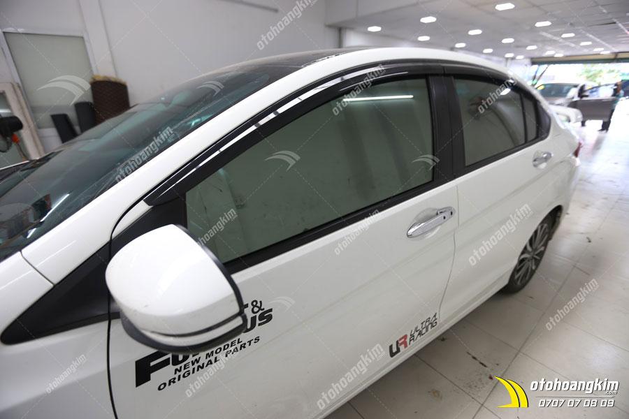 Honda City sử dụng phim cách nhiệt 3M được thực hiện bởi kỹ thuật chuyên nghiệp tại Ô Tô Hoàng Kim chi nhánh Tp.HCM và Bình Dương