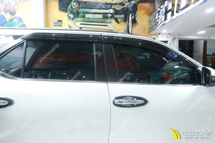 Toyota Fortuner sử dụng phim cách nhiệt 3M tại Ô tô Hoàng Kim chi nhánh Tp.HCM và Bình Dương