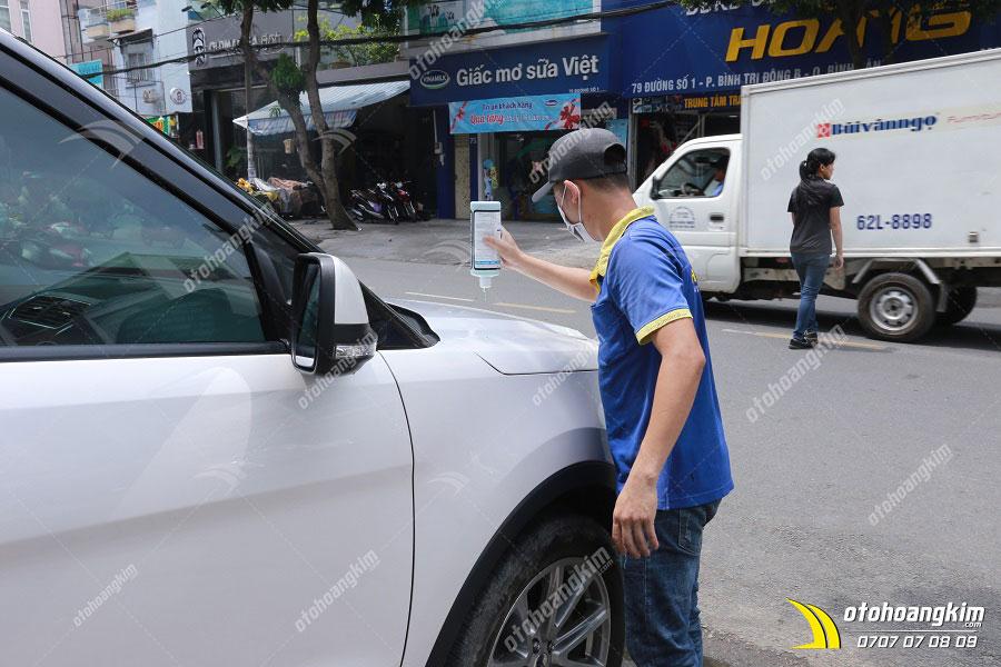 Phủ ceramic cho ô tô là dịch vụ được nhiều khách hàng tin tưởng tại Hoàng Kim