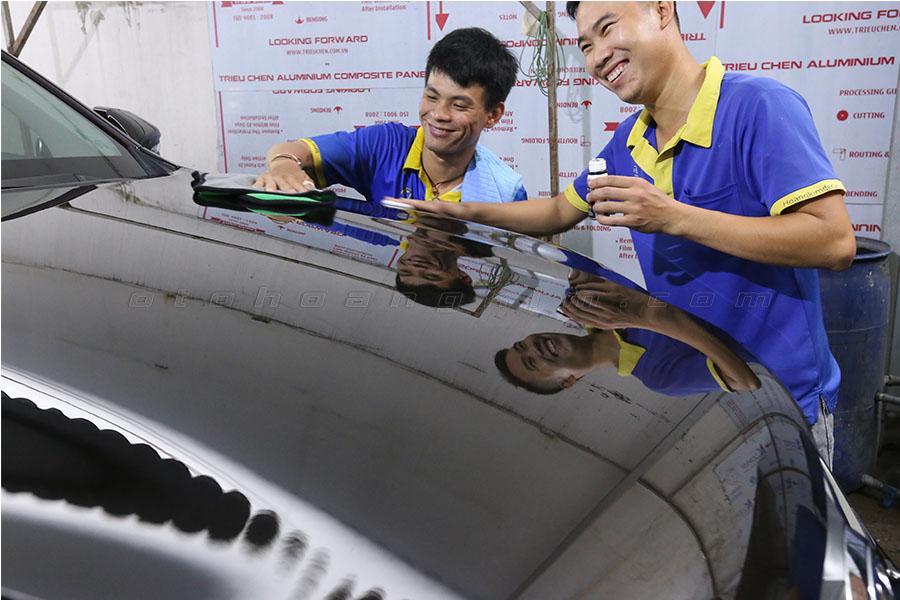 """Phủ Ceramic cho ô tô giúp bảo vệ """"xế hộp"""" tốt nhất"""