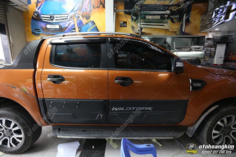 Ron khung cửa kính ô tô Ford Ranger