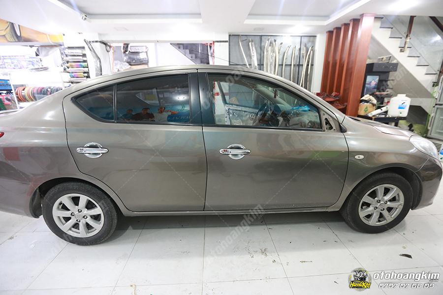 Ron khung cửa kính ô tô Nissan