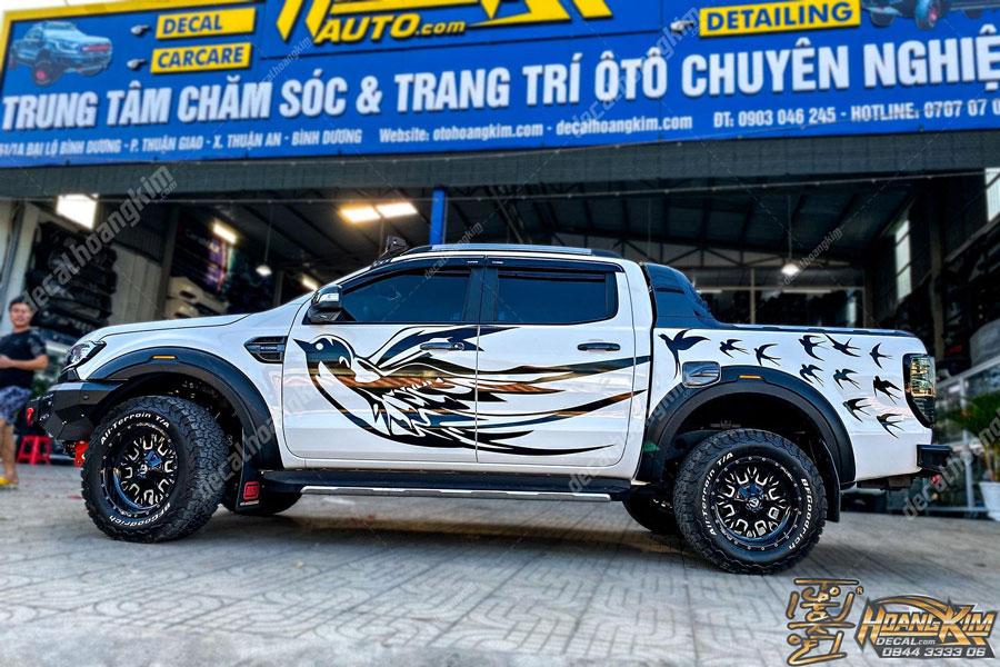Tem xe Ford Ranger chim én