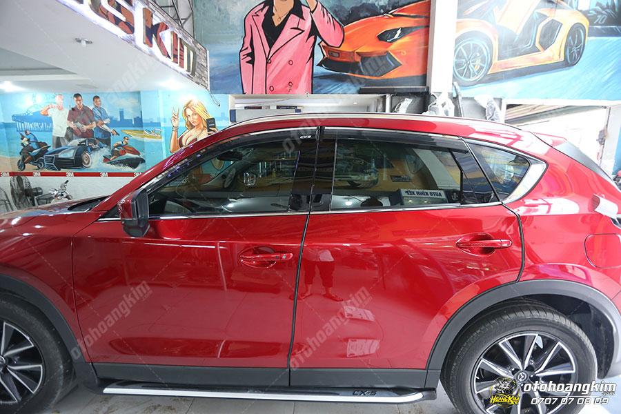 Viền khung kính phụ kiện trang trí ô tô