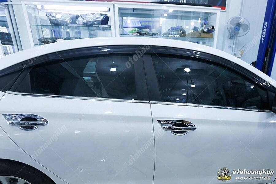 Vè che mưa ô tô cho dòng xe Hyundai Accent