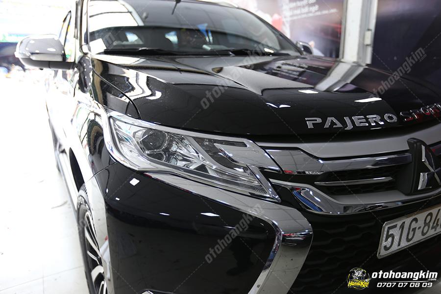 Viền đèn trước Mitsubishi Pajero
