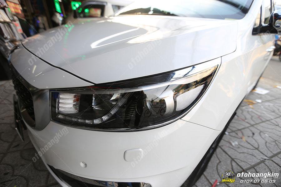 Viền đèn trước ô tô Kia Sedona
