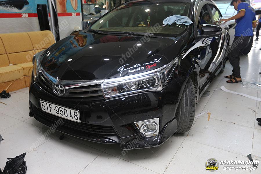 Viền đèn trước ô tô Toyota Altis