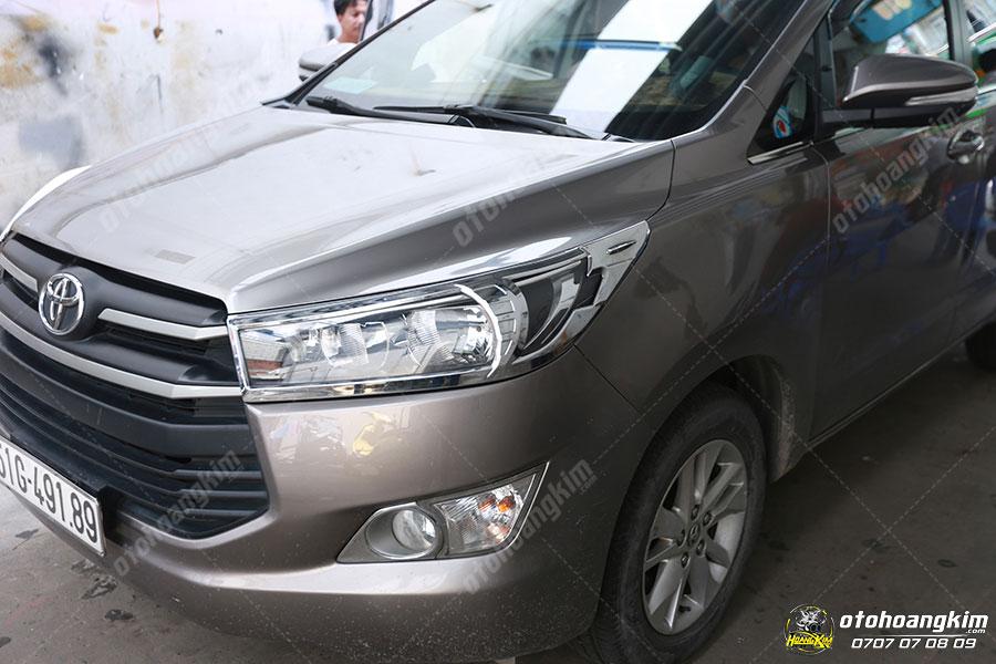Viền đèn trước ô tô Toyota Innova