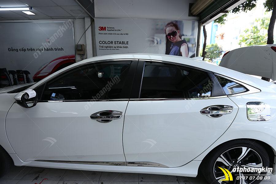 Viền khung kính ô tô Honda Civic