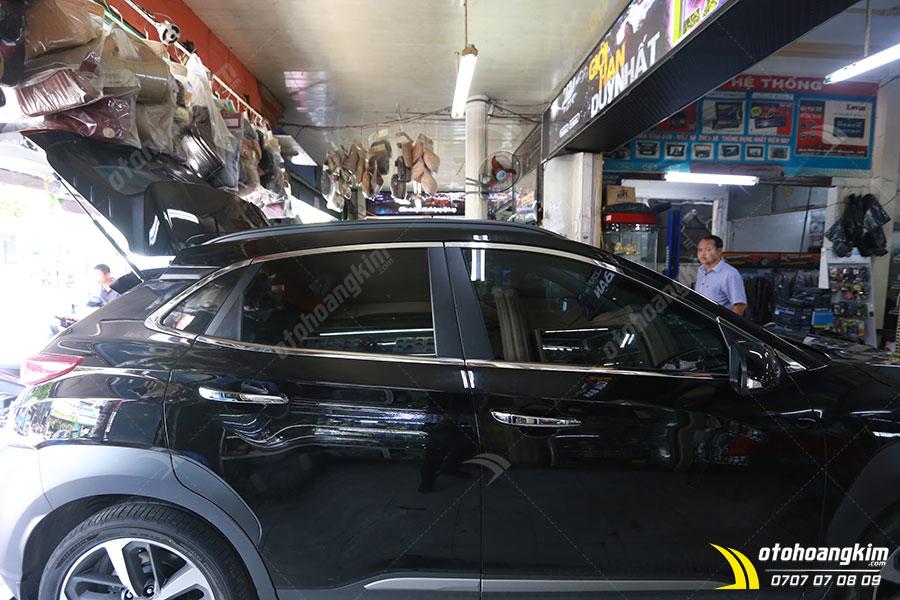 Viền khung kính ô tô Hyundai Kona